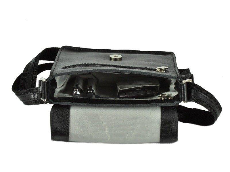 Torba na ramię / listonoszka DAAG FREAK 3 czarna